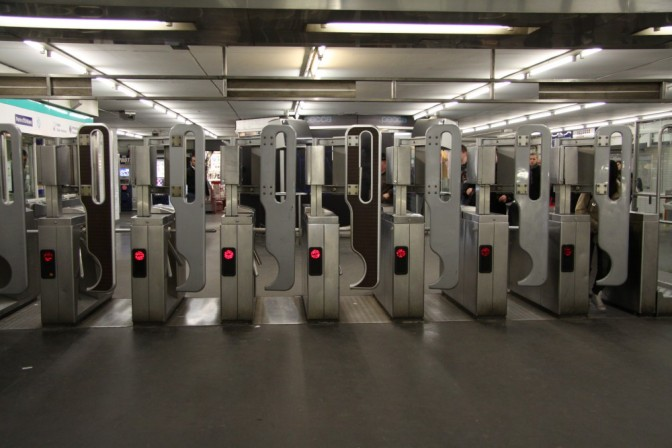 Metron kulkuportit