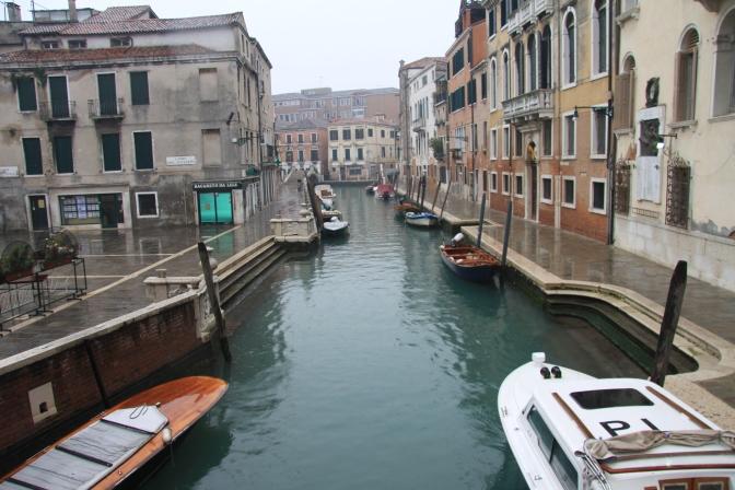 Ventsiassa parkkeerataan veneet eikä autot.