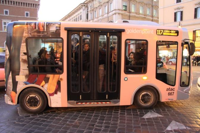 Vähän pienempää bussikalustoa