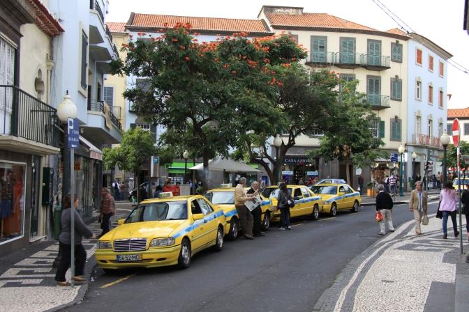 Paikallinen taksitolppa hotellimme lähistöllä