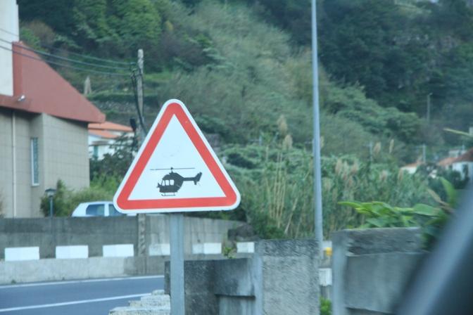 Enpä ollut ennen tällaistakaan liikennemerkkiä nähnyt...