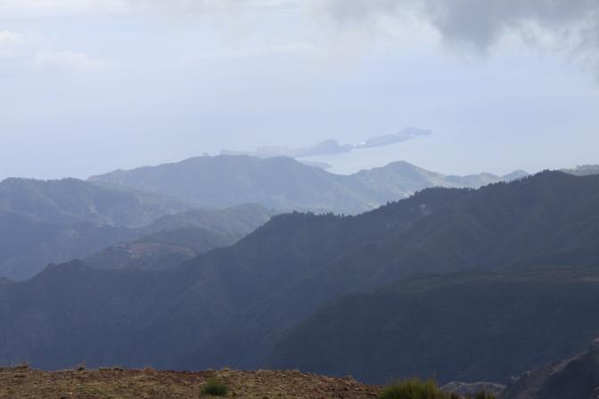 Näkymä saaren itäisimpään niemeen.