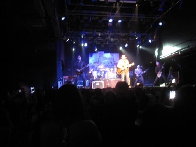 Tyler Farr ja bändi