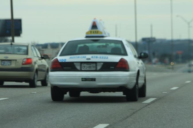 Austinissa taksit olivat valkoisia.