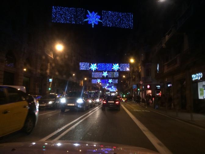 Jouluvalot oli joka kadulla erilaiset.