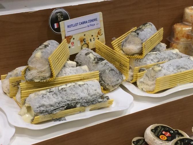 Tämä juusto murisi mulle. Ja tuoksukin oli aika voimakas ;)