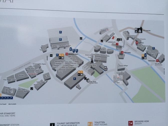 Pienempien liikkeiden nimiä ei näy tässä kartassa, mutta voin kertoa, että niitä riittää.