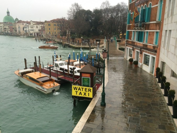 Vesitaksi, Venetsia