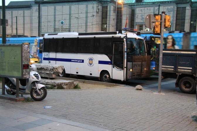 Poliisibussi