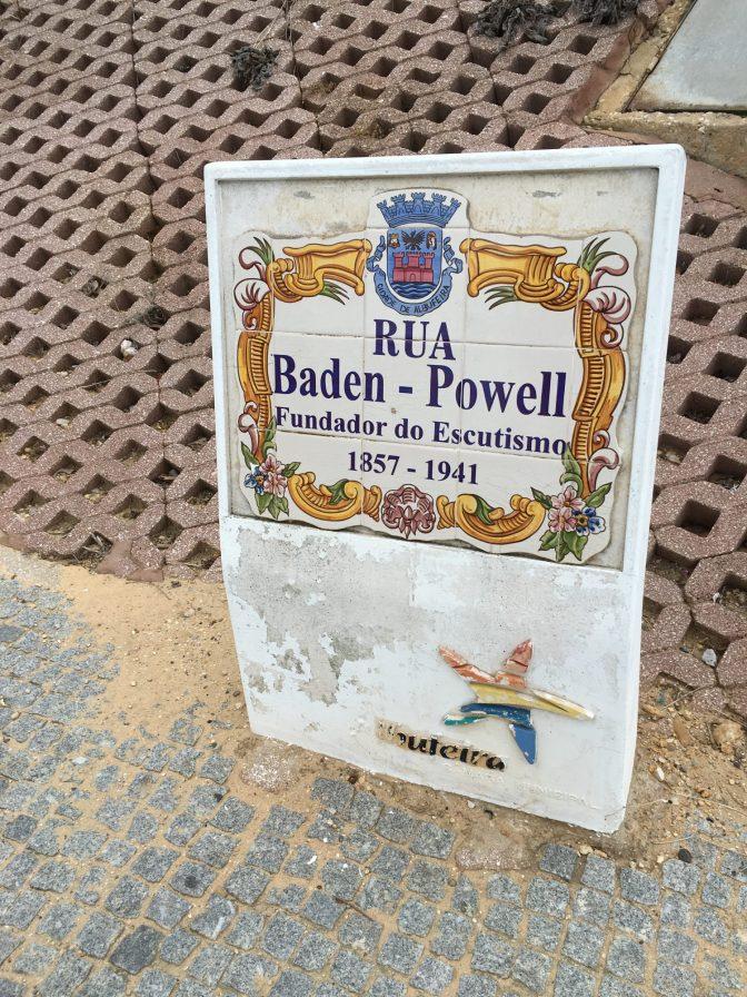 Albufeiran Lidl sijaitsee Baden-Bowellin kadulla.