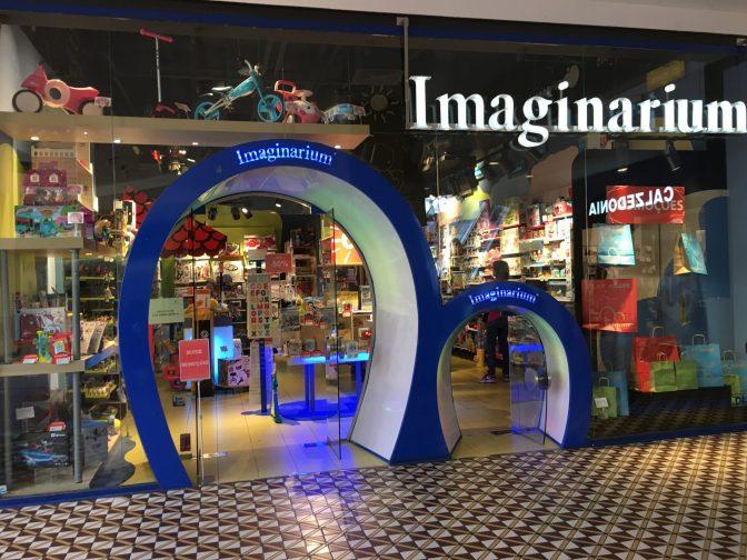 Imaginarium l-elukauppaan oli kaksi ovea :)