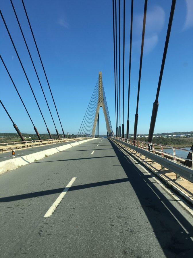 Aika komee silta.