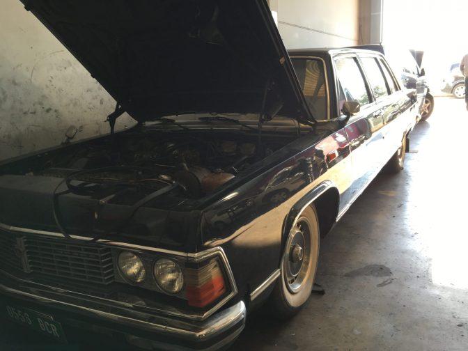 Korjaamosta löytyi ilmeisesti harrasteauto. Saatan olla väärässä, mutta ihan kuin autossa oli lukenut Jalta.