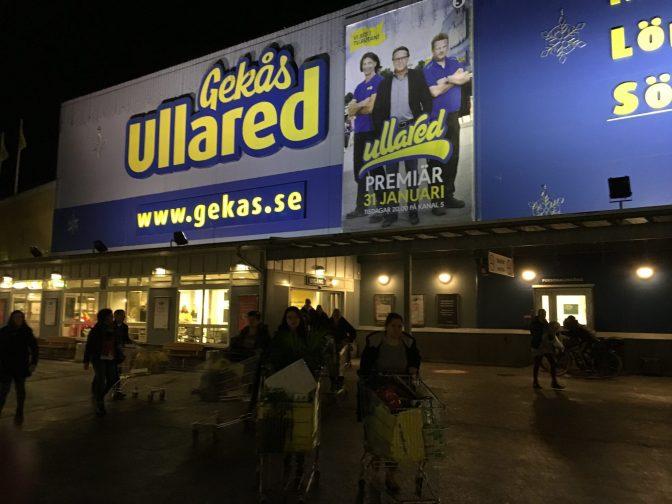 Sisäänkäynnissä on Ruotsin värit